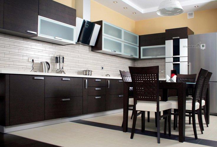 Kontrastas virtuvės interjere