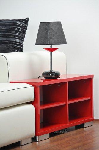 Raudonos ir baltos kontrastas interjere