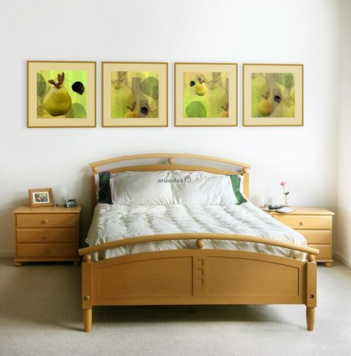 žali paveikslai kaip akcentas šviesiame kambaryje