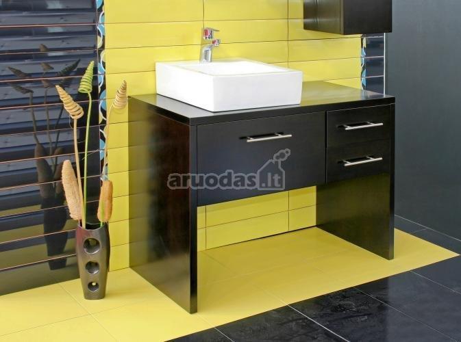 Geltona - juoda interjeras