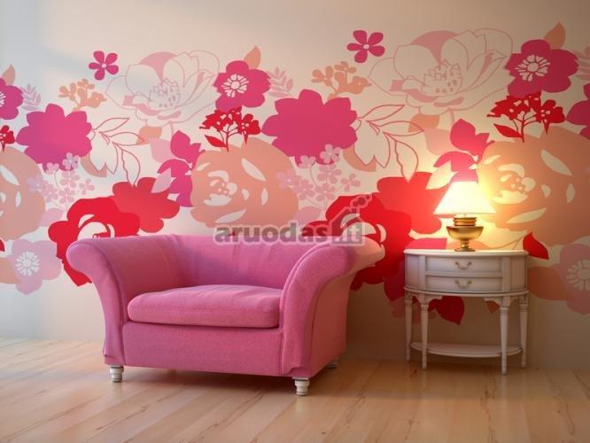 Rausvi atspalviai ant baltos sienos