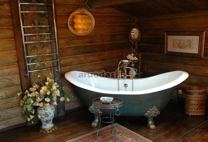 Medinis vonios kambarys