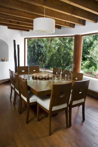 Medinis valgomojo baldų komplektas