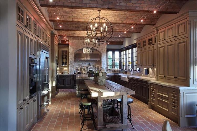 Virtuvės lubos ir grindys - plytų tekstūra