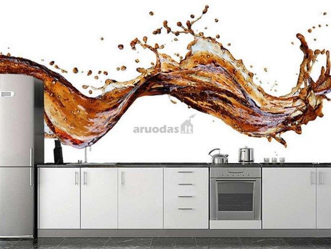 Trykštančių purslų fotopaveikslas virtuvėje