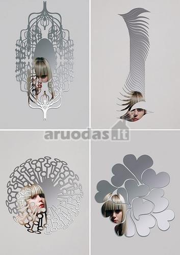 įvairių formų veidrodžių dekoras
