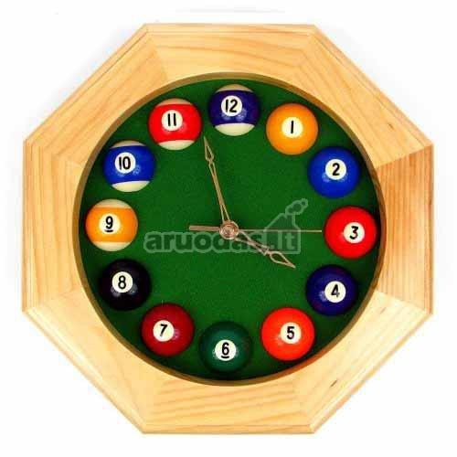 Medinis apvalus laikrodis su bilijardo kamuoliukais