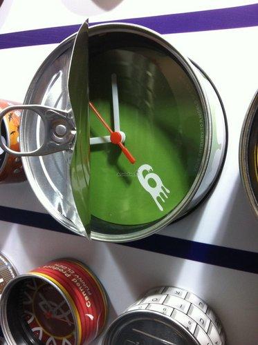 žalias laikrodis - skardinė