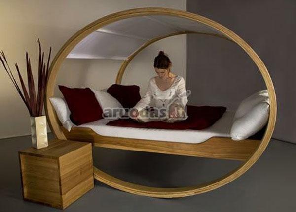 Puiki lova meditacijai ir poilsiui