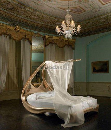 Prabangi, originalios formos lova