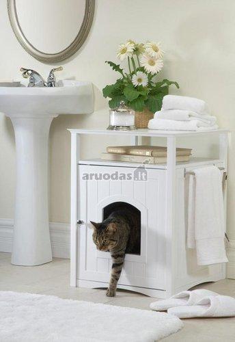 Katino tualetas vonioje