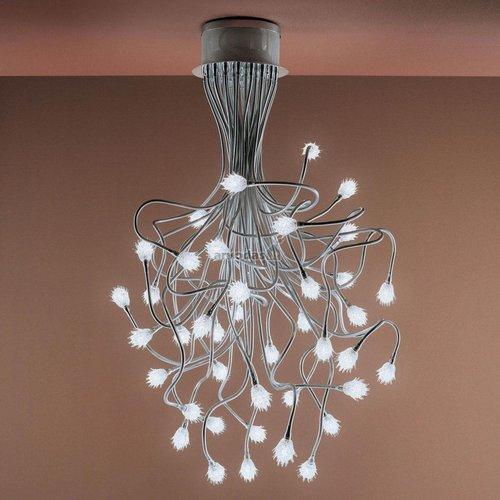 Iš daug lempučių sudarytas šviestuvas