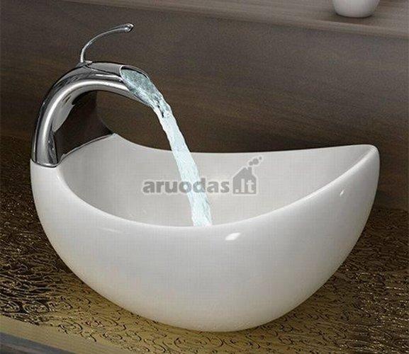 Balto stiklo praustuvas