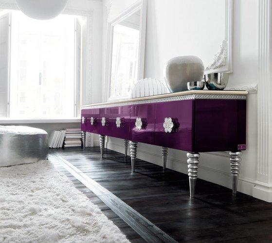 Violetinė komoda