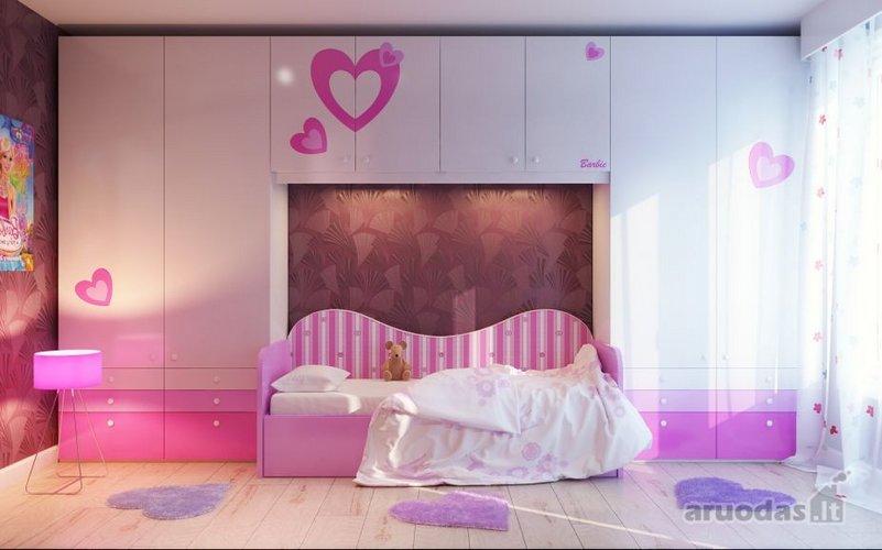 Rausvai baltas mergaitės kambarys