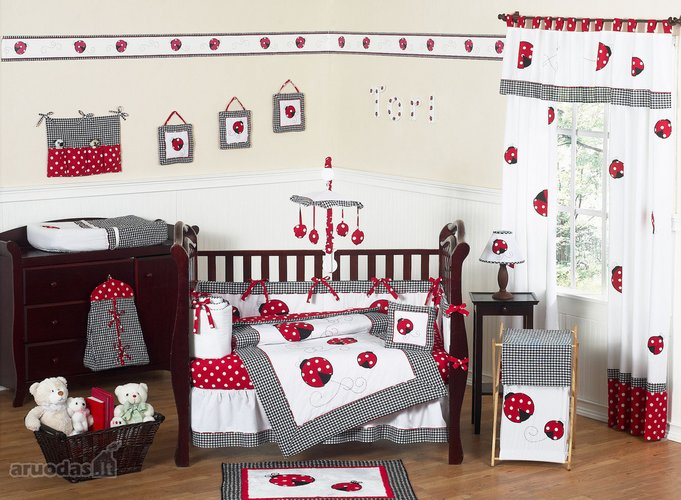 Kūdikio kambarys, dekoruotas boružėmis