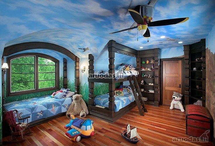 Originaliai dekoruotos berniukų kambario lubos
