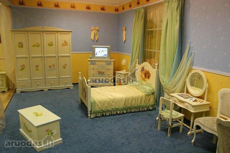 Salotinis mergaitės kambarys
