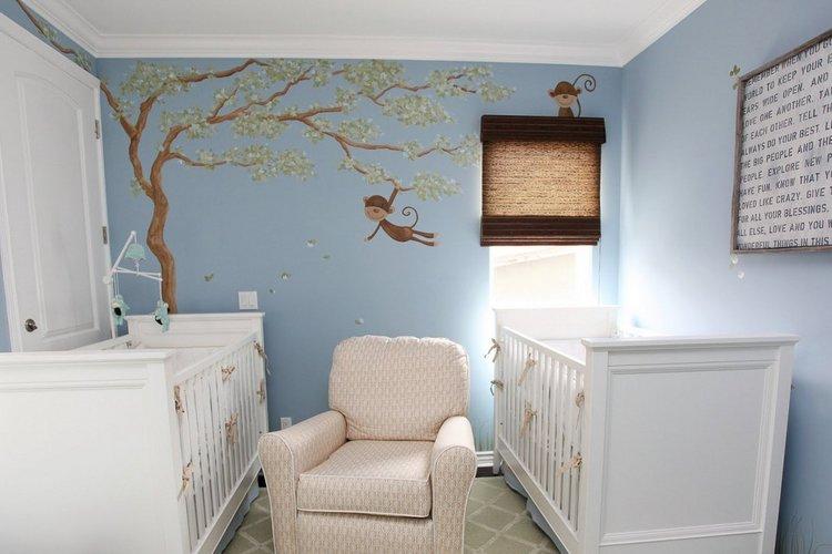 Beždžionėlėmis dekoruotas dvynukų mažylių kambarys