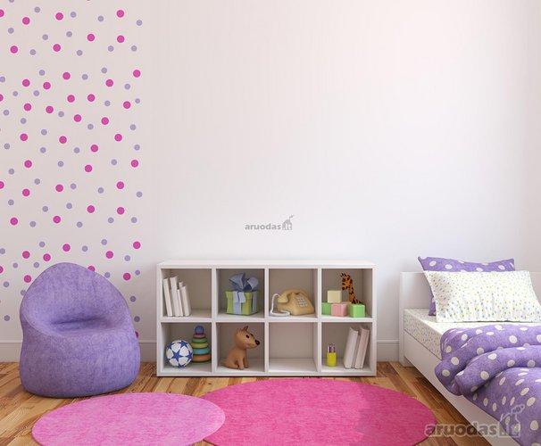Violetinės ir alyvinės derinys vaiko kambaryje