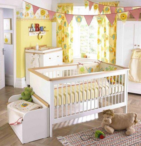 šviesus kūdikio kambarys