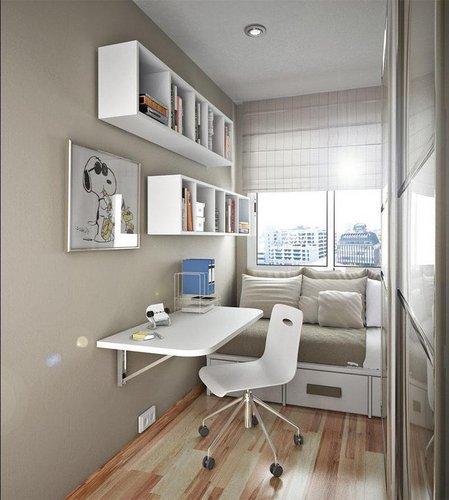 Kompaktiškas jaunuolio kambarys