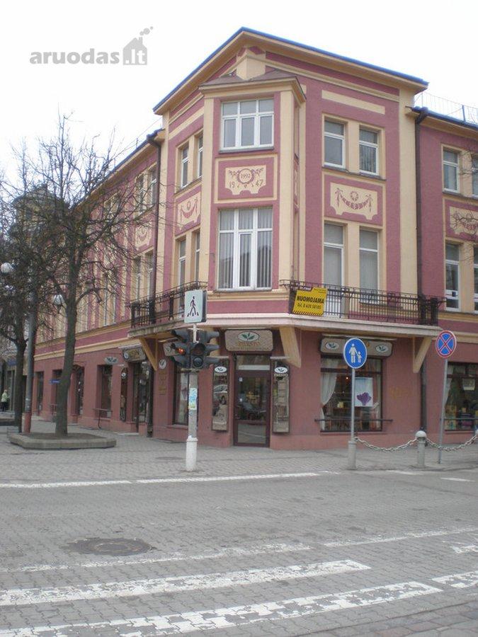 Miesto centre, pėsčiųjų bulvare nuomojamas