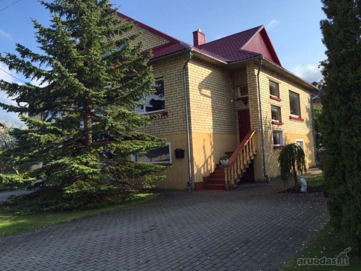 Parduodamas mūrinis namas Radviliškio mieste,