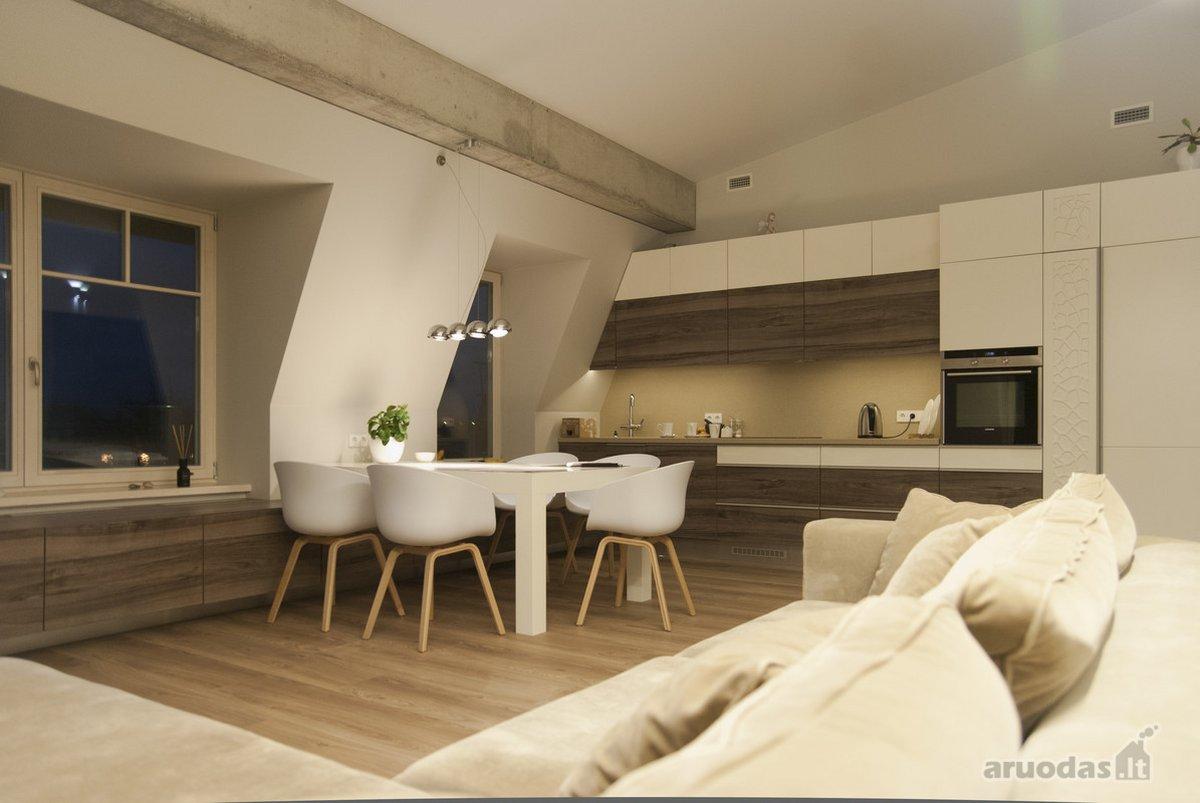 Parduodamas puikiai įrengtas 5-ių kambarių