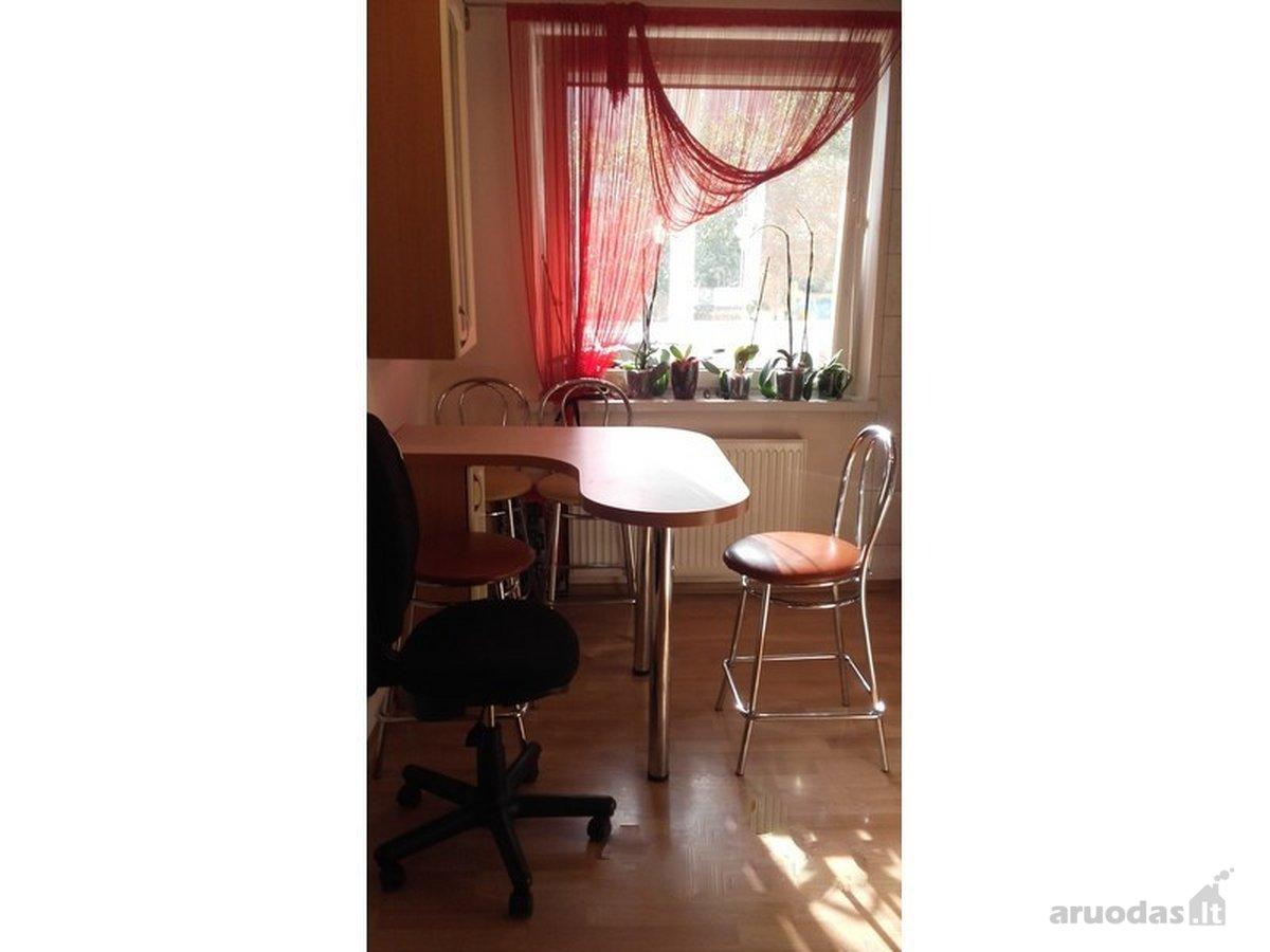 Parduodamas tvarkingas, dviejų kambariu butas