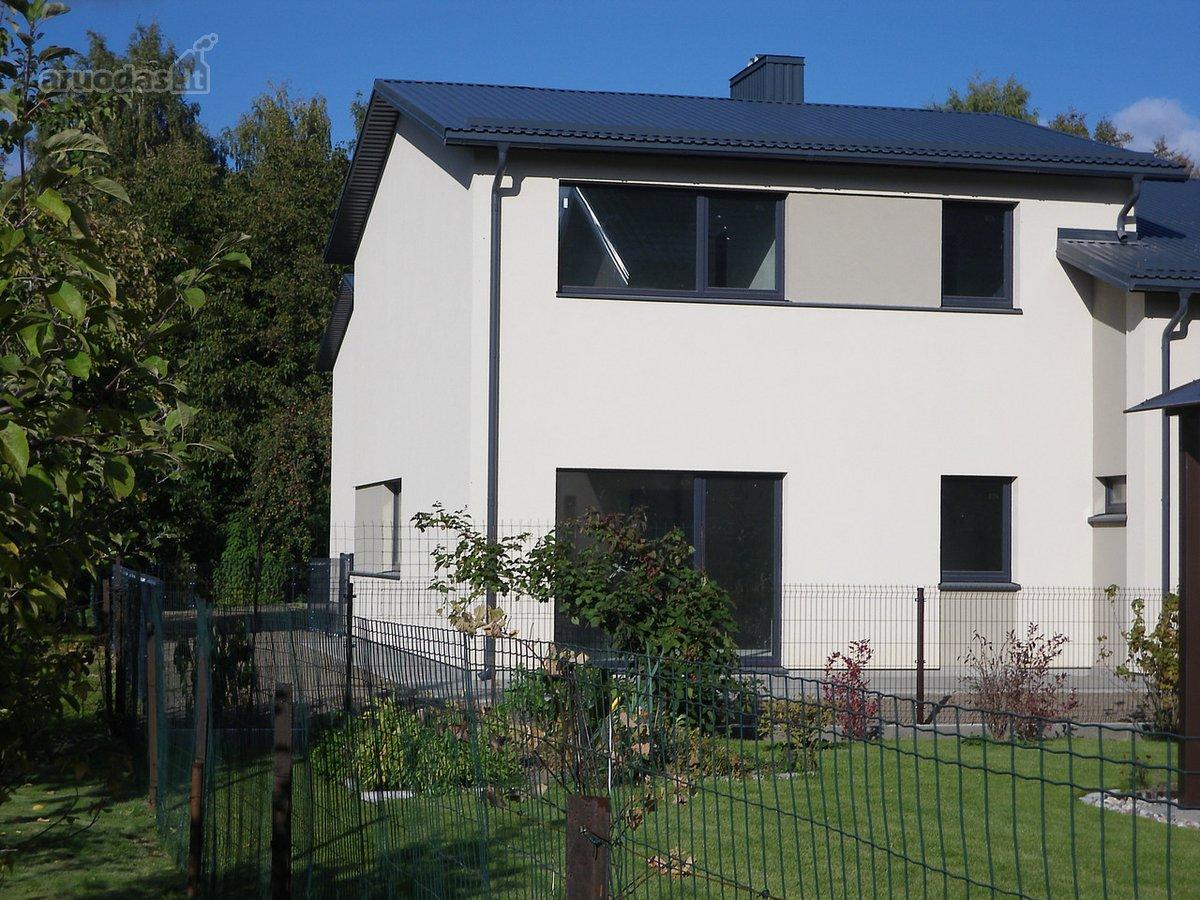 167 kv.m namas su 36 kv.m garažu dviems