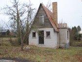 Parduodamas sodo namelis su rūsiu.