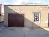Nuomojami garažai. Du aukštais vartais,