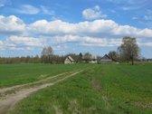 Parduodama sodyba su 4.2 ha žemės prie Lėno