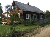 Skubiai parduodu sodyba yra medinis namas