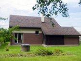 Namų valdai priklauso 8 arų žemės sklypas,