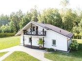 Parduodamas 132 m² gyvenamas namas 25 km atstumu nuo Druskininkų. Namo vieta su kitais statiniais taip pat puikiai tiktų vystyti ...
