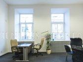 Išnuomojamos 82 m² administracinės patalpos pačiame Vilniaus centre, Gedimino prospekte.  - Aukštos lubos. - Langai į Gedimino ...