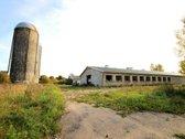 Parduodamas fermos pastatų kompleksas Molėtų