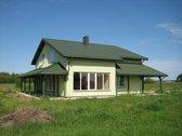 Naujos statybos pilnai užbaigtas namas