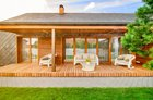 """Aruodas.lt: populiariausi rugpjūčio mėnesio namai – nuo mielo rąstinuko iki modernaus """"žvynuočio"""""""