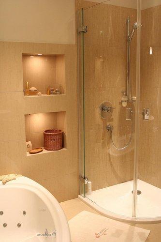 Dušo kabina vonios kambaryje