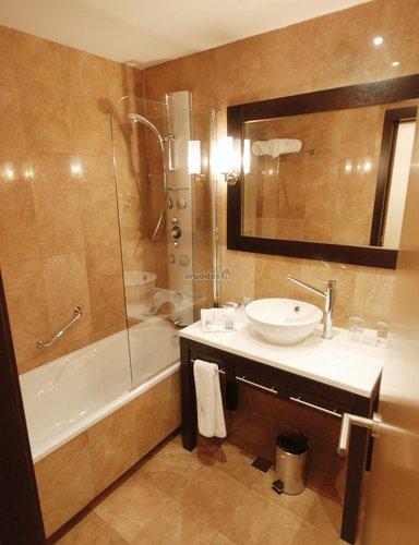 Tradicinio išplanavimo vonios kambarys