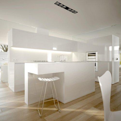 Visiškai balta virtuvė