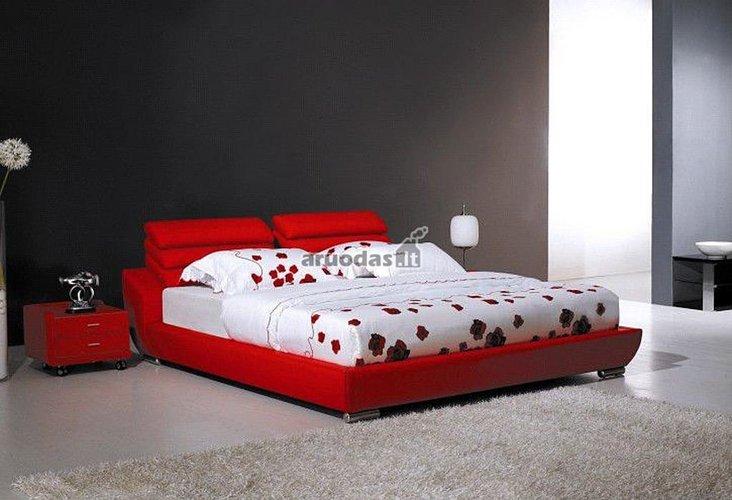 Ryški raudona lova miegamajame