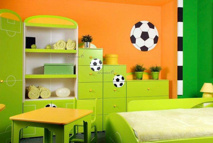 žalia - oranžinė berniuko kambarys