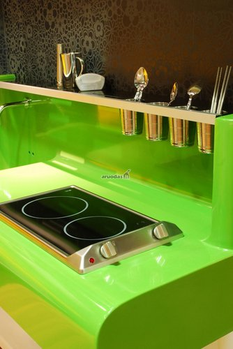 žalia spalva virtuvėje