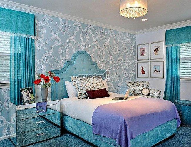 Mėlyna spalva miegamojo interjere