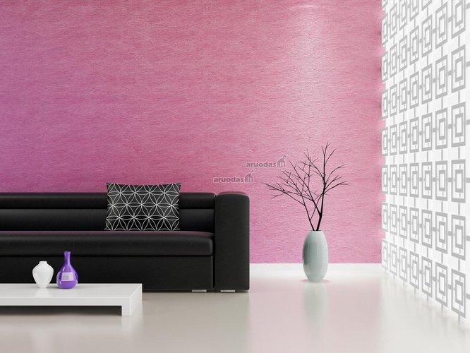 Violetinė svetainės siena