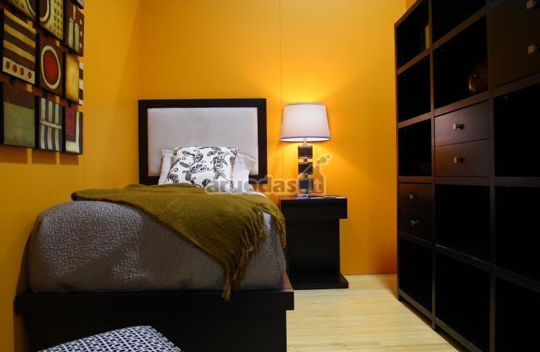 Ryškiai geltonas miegamasis